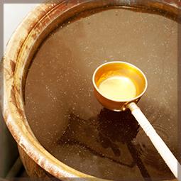 手作りの特製タレ
